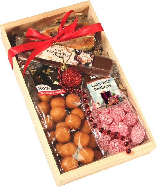Gift set in stylish wooden box 4 pieces