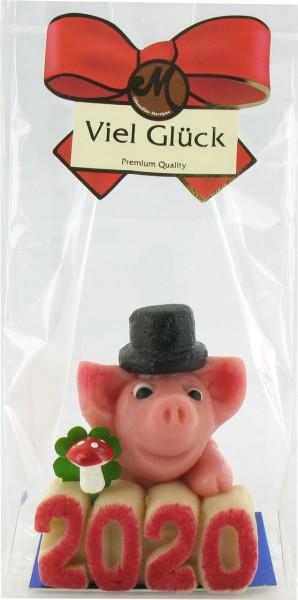 Schwein Beppi mit Glückszahl