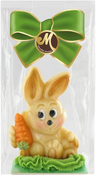 Hase Schnuffel mit Karotte